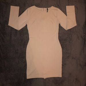 Lulus's Long Sleeved Body-Con Dress